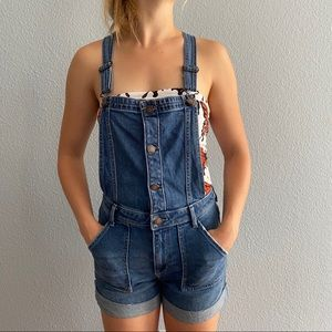 Hollister | High-Rise Mom Short Overalls | XS